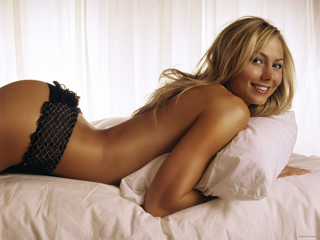 Top 10 Hottest Women In Sports