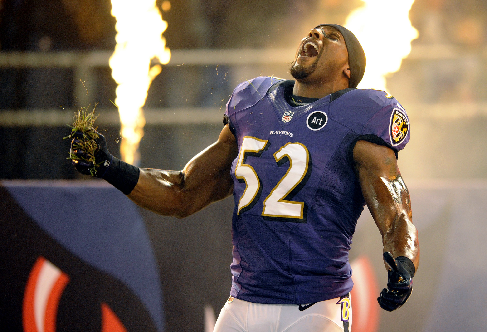Former Raven rips Ray Lewis