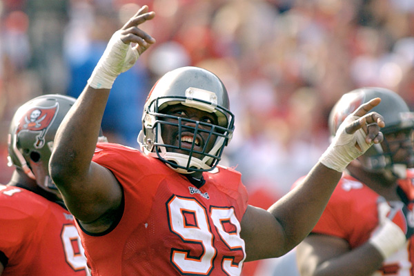 After 9 seasons with the Buccaneers and one Super Bowl ring, Warren Sapp will join the team's Ring of Honor this season (Credit: ESPN)