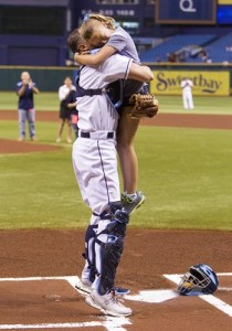 Soldier surprises daughter at Rays game upon returning from Afghanistan