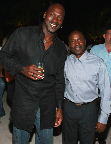 WATCH: Michael Jordan's younger brother Larry had more ups than MJ!