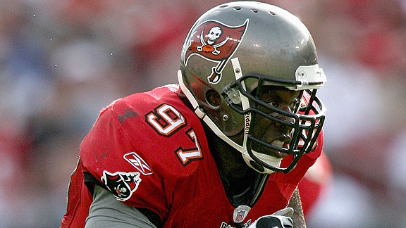 Warren Sapp believes former teammate Simeon Rice should be in the Hall of Fame before Michael Strahan (Credit: Blogs.Suntimes.com)