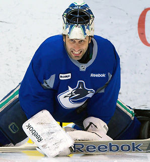 Former Luongo Agent Calls Out Vancouver Gm Gillis