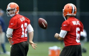 Seneca Wallace (6) with Colt McCoy (12) during their time with the Cleveland Browns  Photo: David Richard / US PRESSWORE
