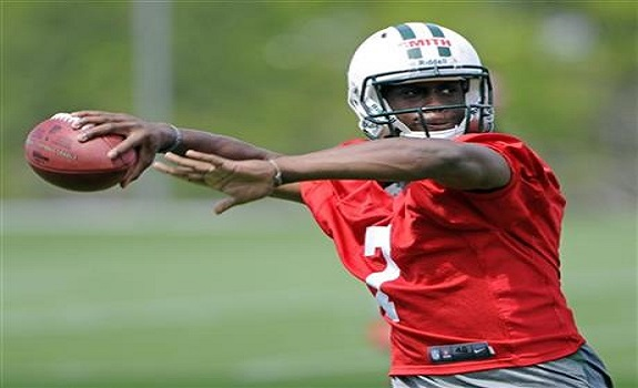 Geno Smith had his worst practice as a pro on Wednesday according to Rex Ryan.  PHOTO COURTESY: BILL KOSTROUN/ASSOCIATED PRESS