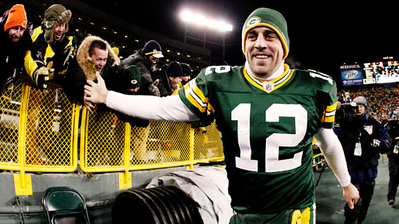 Expect Aaron Rodgers to break 400 yards again this weekend against the Bengals (Credit: Blogs.E-rockford.com)